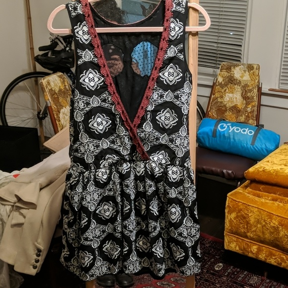 Free People Dresses & Skirts - Open back gorgeous dress